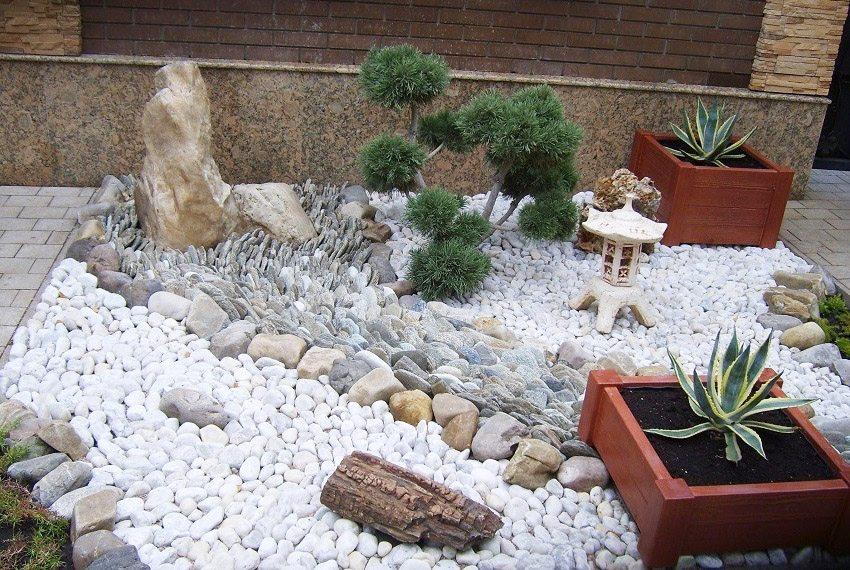 klumby-svoimi-rukami-foto-primery-iz-kamnej-kirpicha-i-drugih-materialov-14