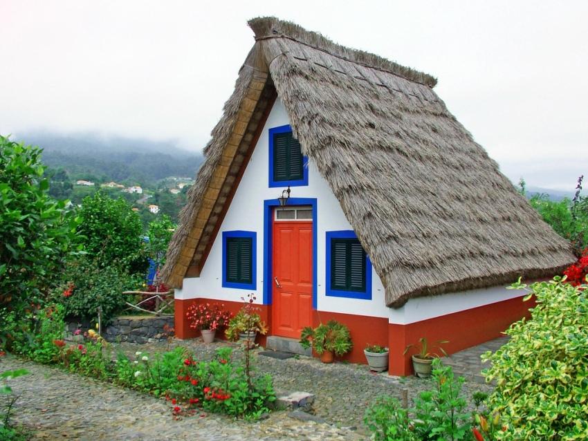 dom-shalash-foto-treugolnyh-domov-idei-dlya-sozdaniya-proekta-10