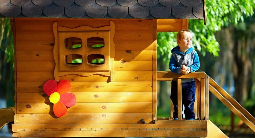 domik-dlya-detej-na-dache-foto-video-detskij-domik-svoimi-rukami-1